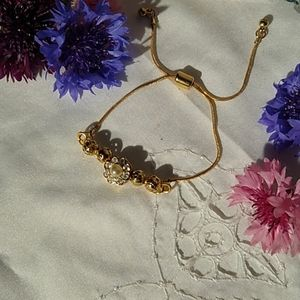 Jewelry - A Cute Gold-plated Bolo Bracelet